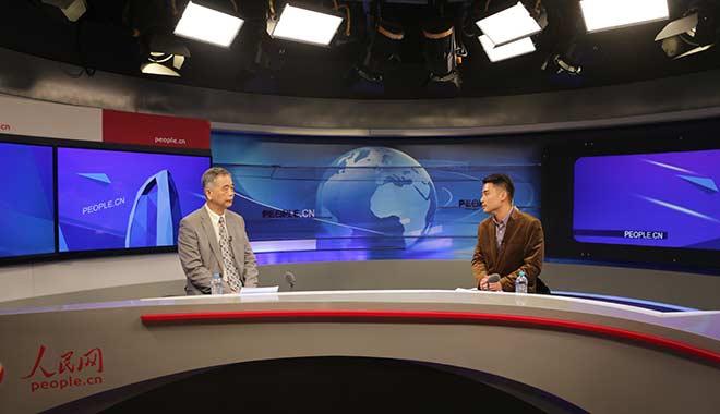中国互联网金融协会会长李东荣做客人民网访谈蹲坑。